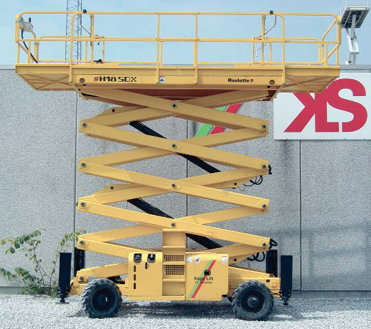 Haulotte H18SDX 18 m saxlift 4WD
